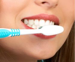 kak-chistit-zuby-pravilno3