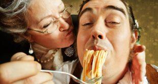 Отношения мужчины с мамой