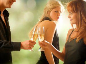 Почему замужние женщины завидуют незамужним?