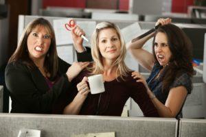 Почему замужние женщины завидуют незамужним, причины