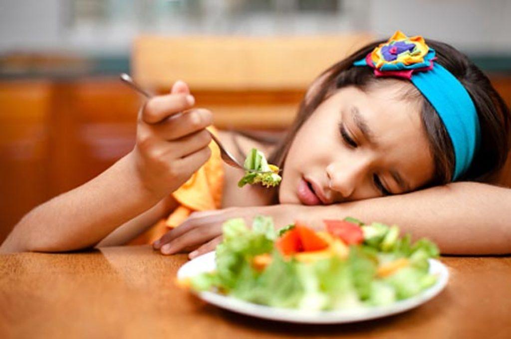 Як привчити дітей до здорового харчування, не заставляйте доїдати
